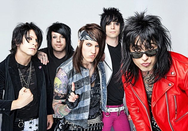 2 falling in reverse - Band Halloween Costumes
