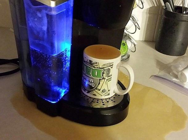 Eric Zane's coffee clutch