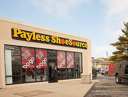 Payless Gives Shopping Event with Anthony Munoz Foundation