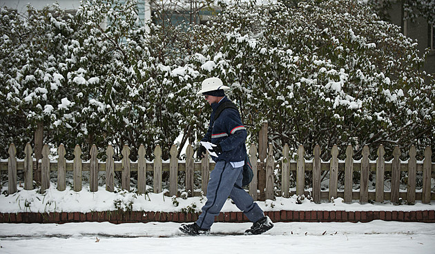U.S. South Hit By Crippling Winter Storm